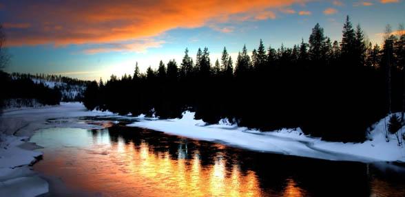 588-river-scenery-Lapland.jpg